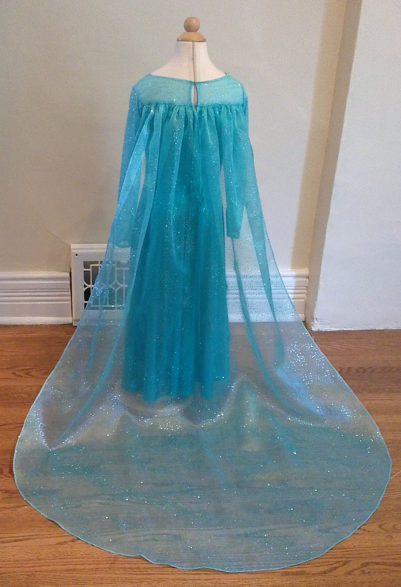 A elsa dress long cape